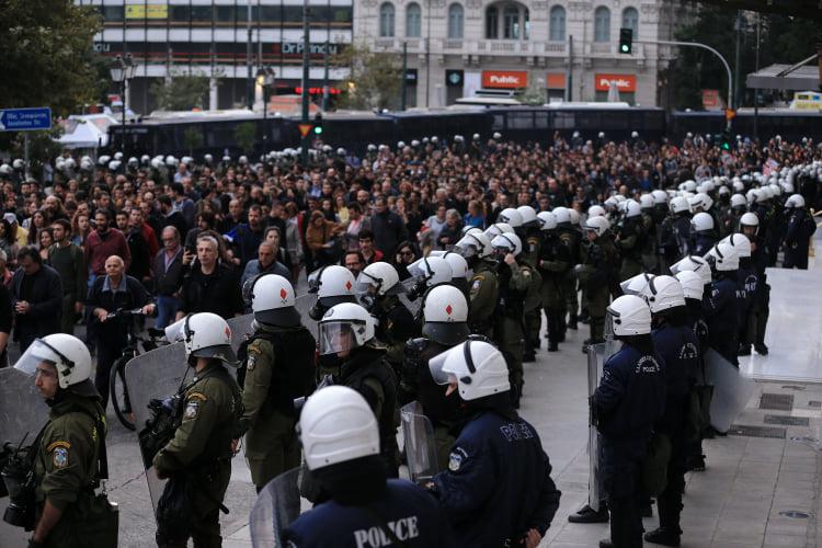 Lendemain du 17 novembre 2019 à Athènes : un goût de sang dans la bouche
